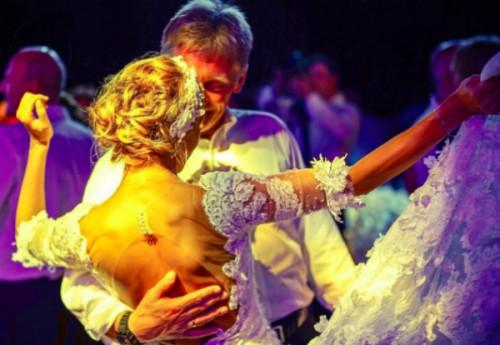 Топ-10 удивительных мгновений свадьбы Навки и Пескова