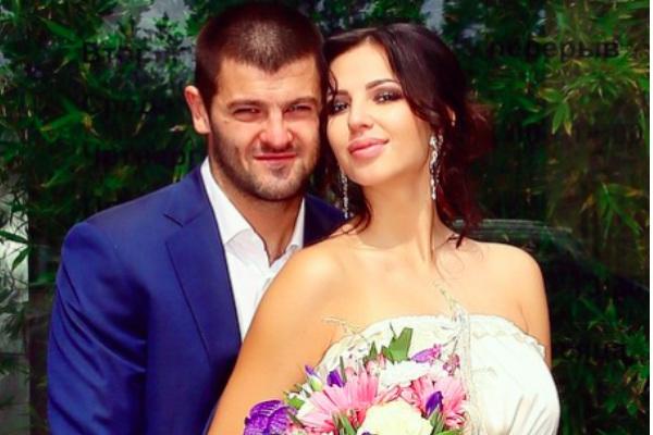 Знаменитые хоккеист Радулов и гимнастка Дмитриева сыграли тайную свадьбу