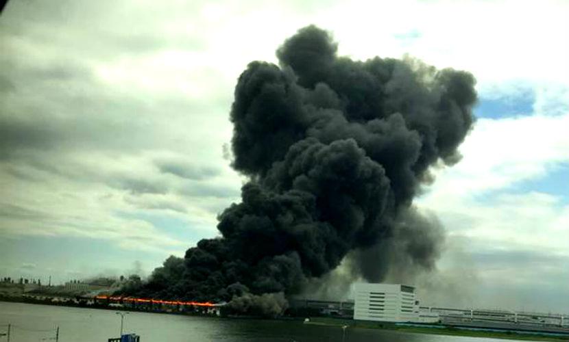 Мощный взрыв прогремел вблизи аэропорта в Токио