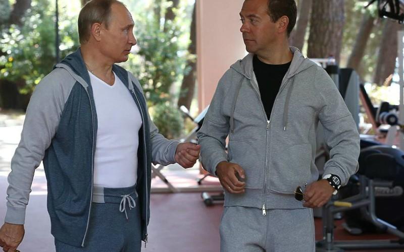 Тренировка Путина и Медведева спасла министров от отставок