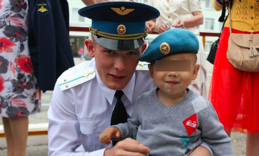 В в/ч под Костромой прощаются с погибшими от рук сослуживца солдатами