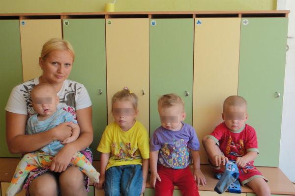 Возбуждено дело против чиновника, не забравшего детей у отца-душегуба