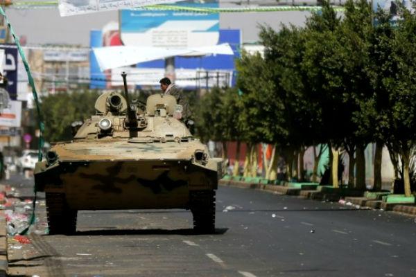 Самолеты арабских стран разбомбили президентский дворец в Йемене