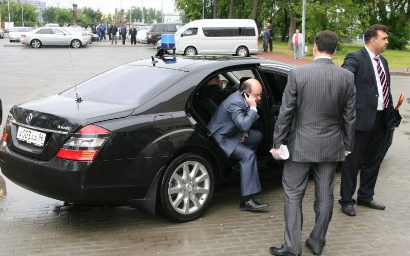 Ограничение на покупку люксовых автомобилей не затронет губернаторов