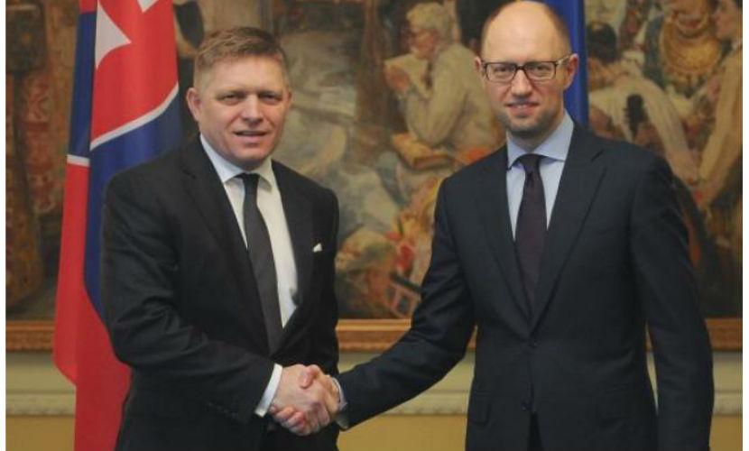 Премьер Словакии обвинил западные компании в предательстве