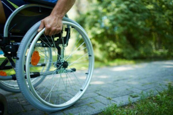 Водитель грузовика из Болгарии сбил инвалида-колясочника в Москве