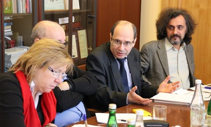 Нарушения на выборах обнаружили члены президентского Совета по правам человека