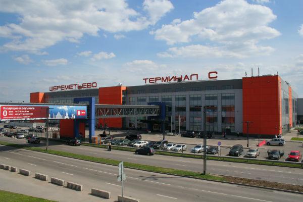 Прокуратура проверяет информацию о задержке загранпаспортов в Шереметьево