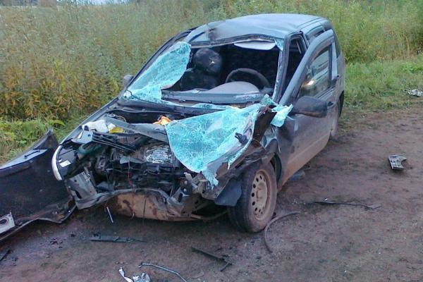 3 человека погибли, 4 ранены при столкновении грузовика с «Калиной» в Кирове