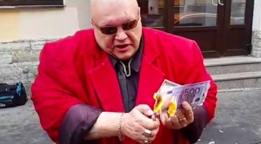 Стас Барецкий сжег $20 000 в поддержку рубля