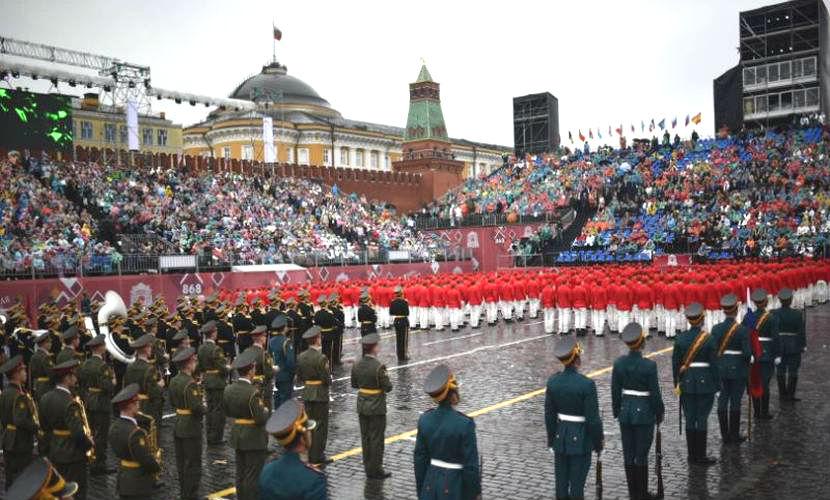 Расходы мэрии на День Москвы вызвали вопросы: 500 млн и