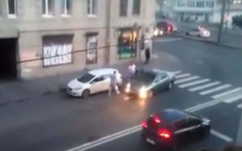В Петербурге произошла жестокая драка водителей и пешеходов