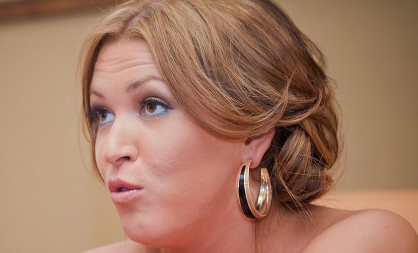 Ирина Дубцова выложила поток оскорблений от избившей ее дочери депутата