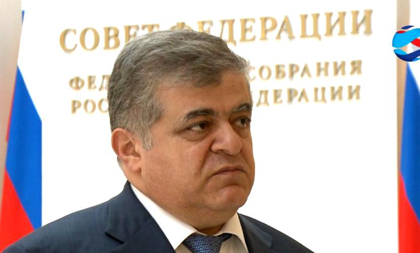 Яценюк показал в Словакии самолетный «театр», - Совет Федерации