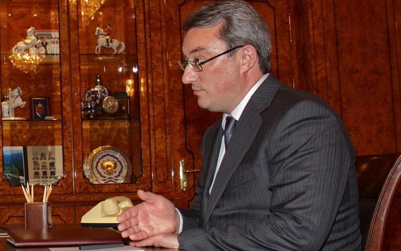 Ручку из чистого золота и элитные часы обнаружили при обыске у главы Коми