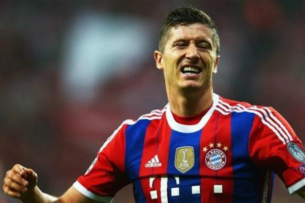 Нападающий «Баварии» Роберт Левандовский забил 5 голов за 9 минут