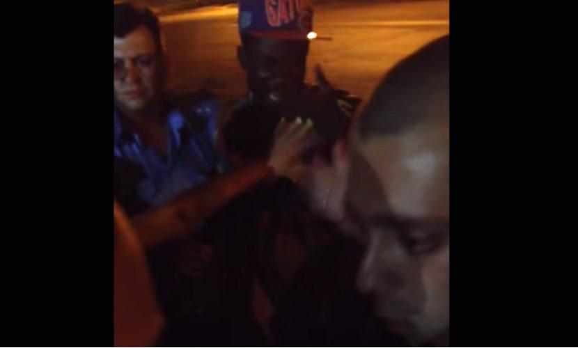 Опубликовано видео избиения милиционерами Харькова чернокожего студента