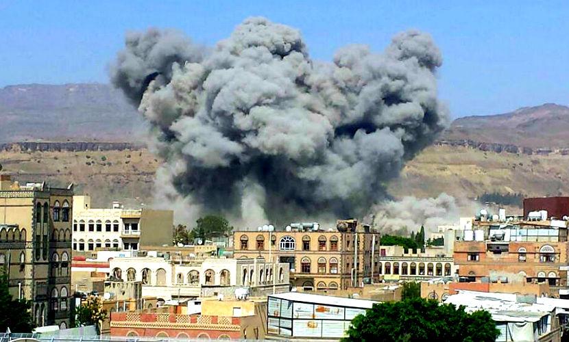 Мощный взрыв прогремел в мечети Йемена во время праздничной молитвы