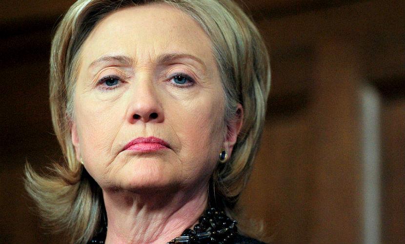 Клинтон не извинилась за использование личной почты