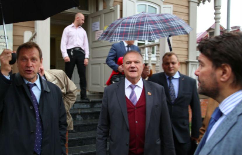 Автомобиль наблюдателей КПРФ обстрелян на выборах в Иркутской области