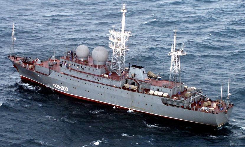 Действия российского корабля-разведчика встревожили командование ВС США