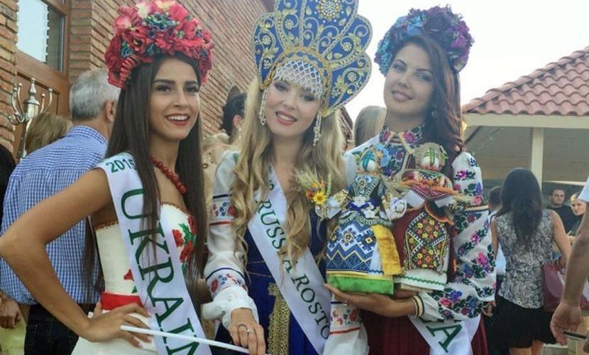 Блондинка из Ростова получила травму на конкурсе Мисс Планета-2015