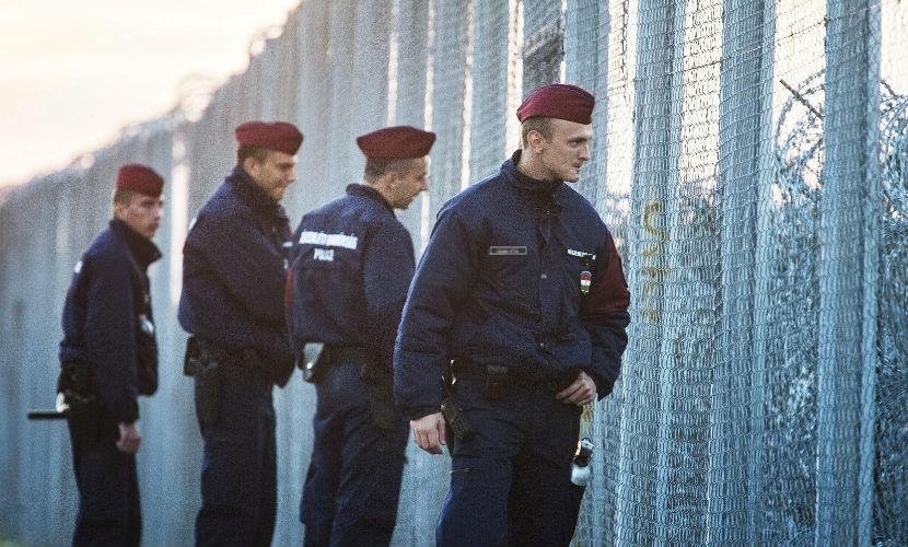 Венгрия заявила о невозможности послабления законов в отношении мигрантов