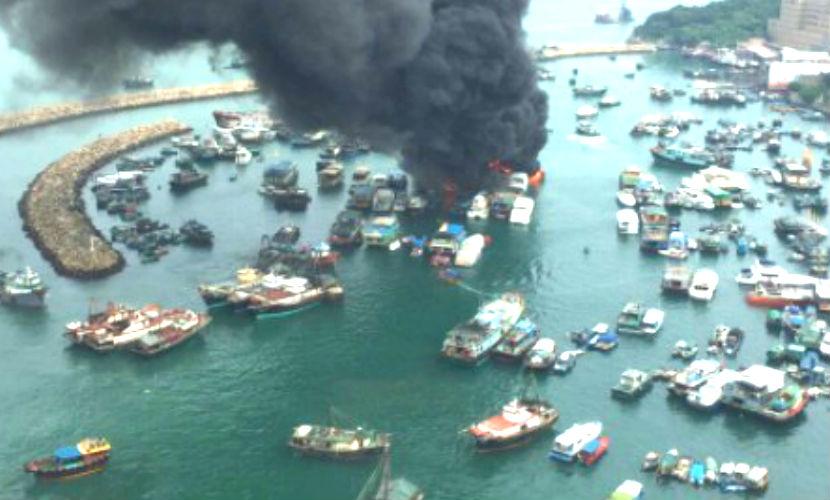 Крупный пожар в Гонконге удалось потушить