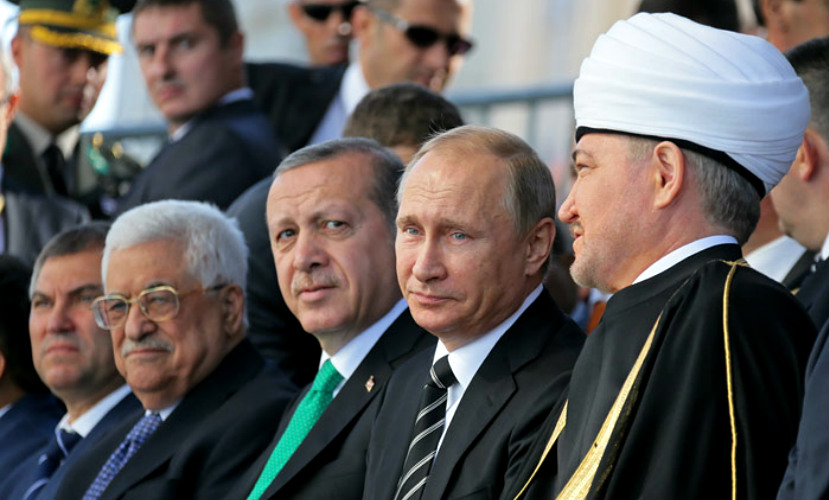 Путин: Террористы ИГ откровенно извращают ислам