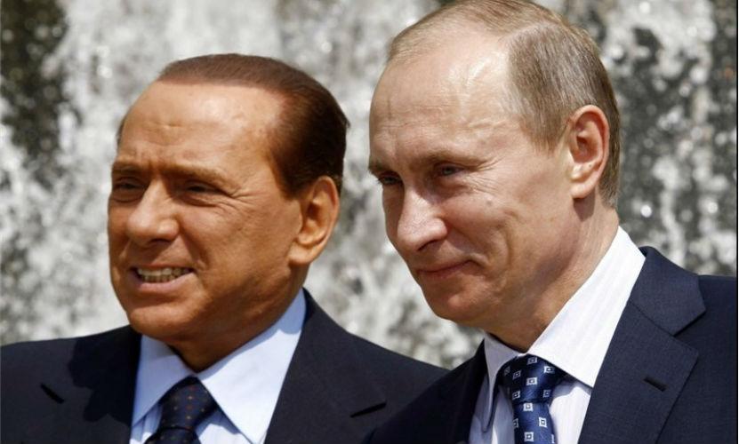 Путин и Берлускони возложили цветы к памятнику погибших итальянцев в Крыму