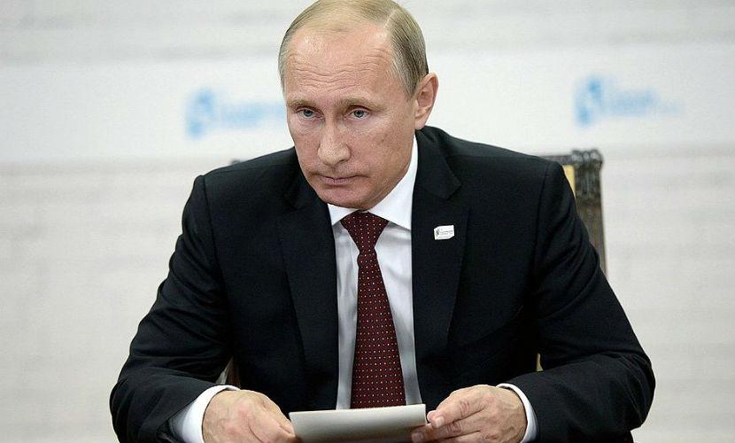 Путин выразил соболезнования королю Саудовской Аравии в связи с гибелью паломников в Мекке