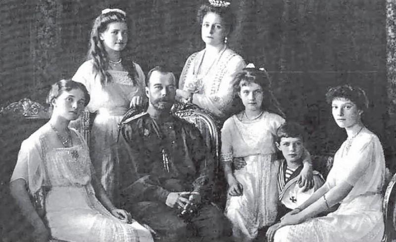 СК снова взялся за поиски виновных в гибели семьи императора Николая II