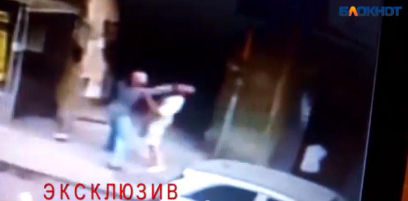 Кровавая резня в центре Ростова попала на видео