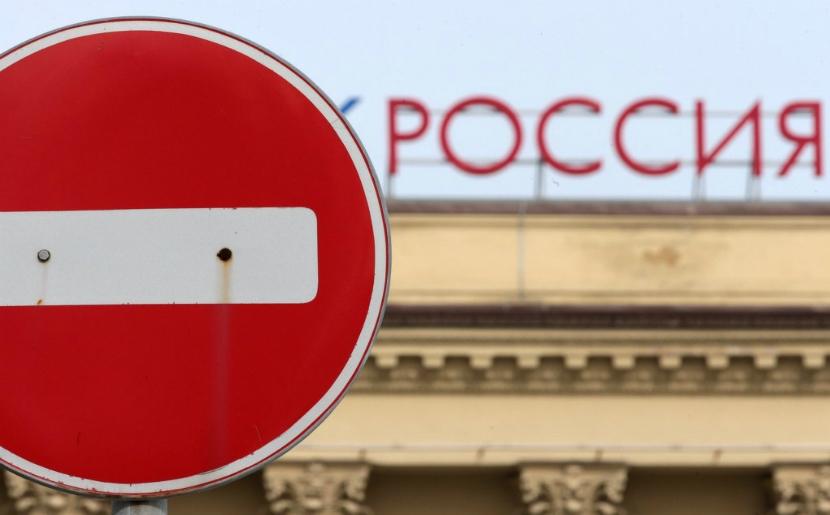 О снятии всех антироссийских санкций в конце 2015 года заговорили в Европе