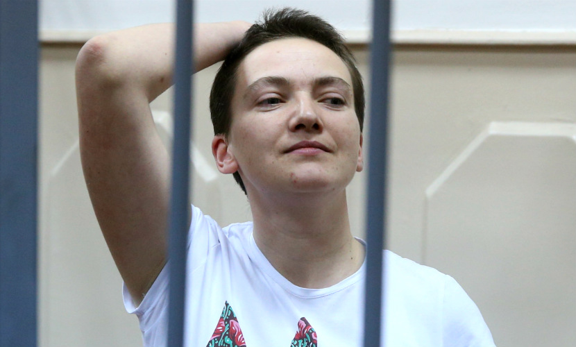 Суд продлил арест летчицы Савченко до весны 2016 года
