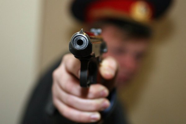 В Туве полицейский застрелил коллегу по неосторожности