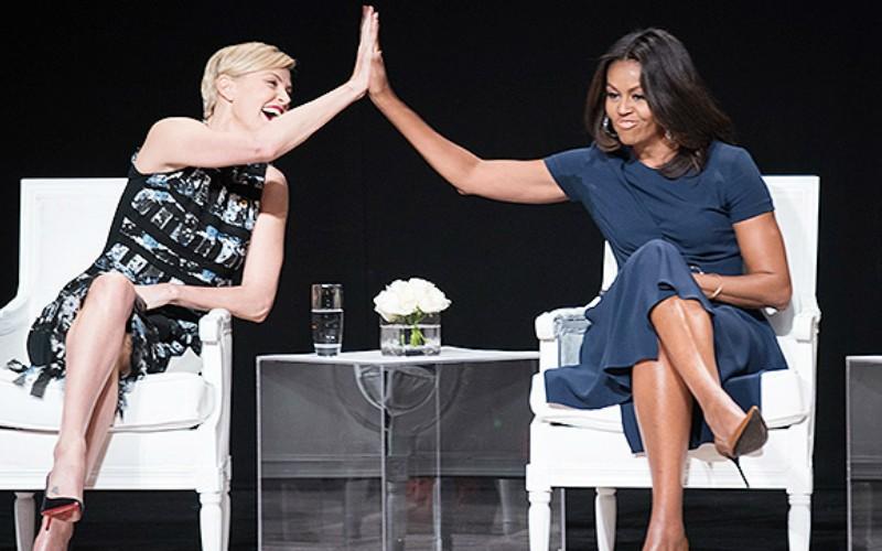 Шарлиз Терон и Мишель Обама призвали «сексуальных девочек» уйти от «глупых мальчиков»