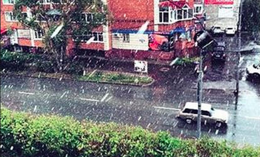 Томск занесло снегом