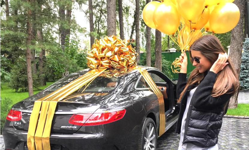 Кэти Топурия получила в подарок автомобиль за 9 млн