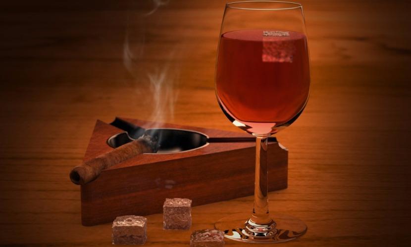 Европейцы больше всех в мире пьют и курят
