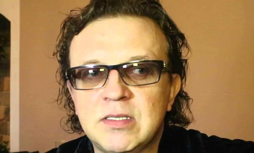 Пьяный дебош в аэропорту обошелся певцу Роме Жукову в символическую сумму
