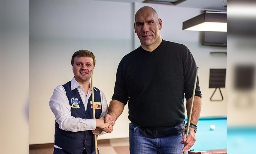 Валуев потерпел поражение в поединке с заместителем Жириновского