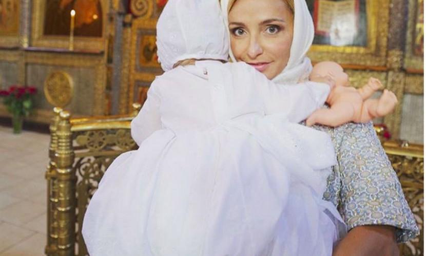 Навка и Песков покрестили дочь
