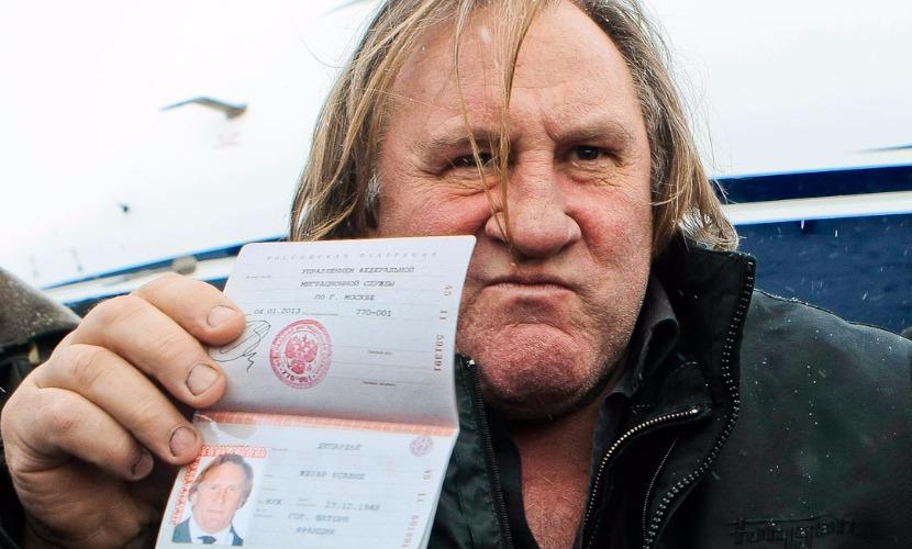Депардье гордится российским паспортом и хочет купить квартиру в Москве