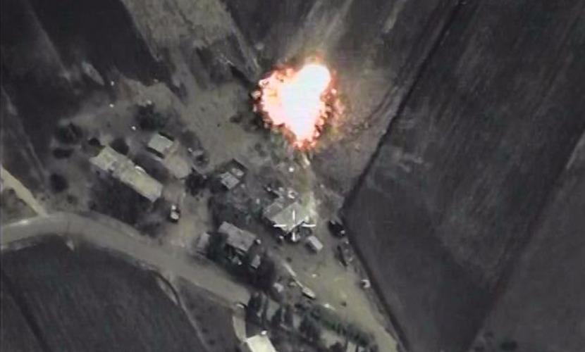 Российский Су-24 уничтожил в Сирии штаб отряда группировки