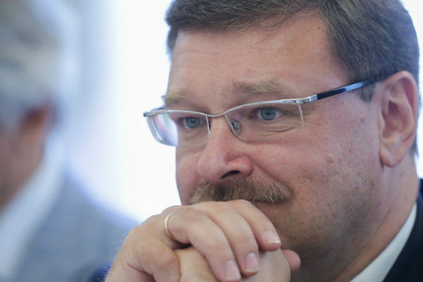 Косачев: Порошенко нечестен в своих заявлениях о сотрудничестве с властями ДНР и ЛНР
