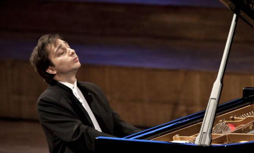 Пианист из России феерично закрыл фестиваль Чайковского в Аргентине