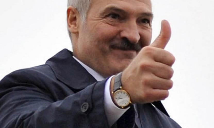 Лукашенко: Оппозиционность Алексиевич мы переживем