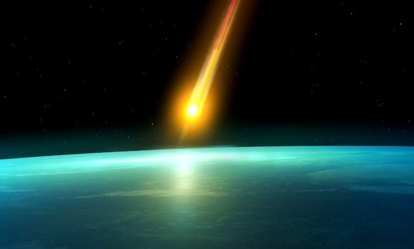Опубликовано видео падения яркого метеорита в озеро Байкал