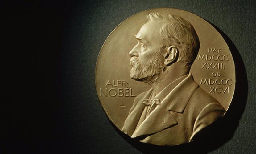 Нобелевскую премию мира присудили строителям демократии в Тунисе